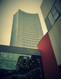20_Blick von der Leipziger Uni auf das City-Hochhaus